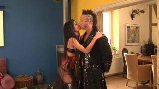 Punks – Hot babe – Great Scene